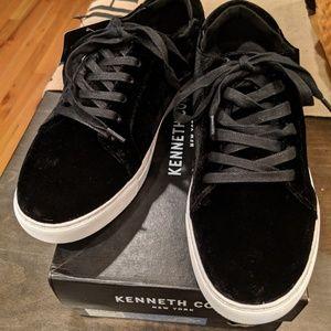 Kenneth Cole Marlow sneakers 9.5 black velvet